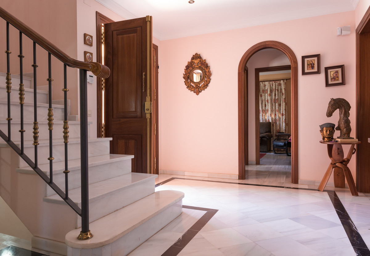 House in Atalaya R3608612 8