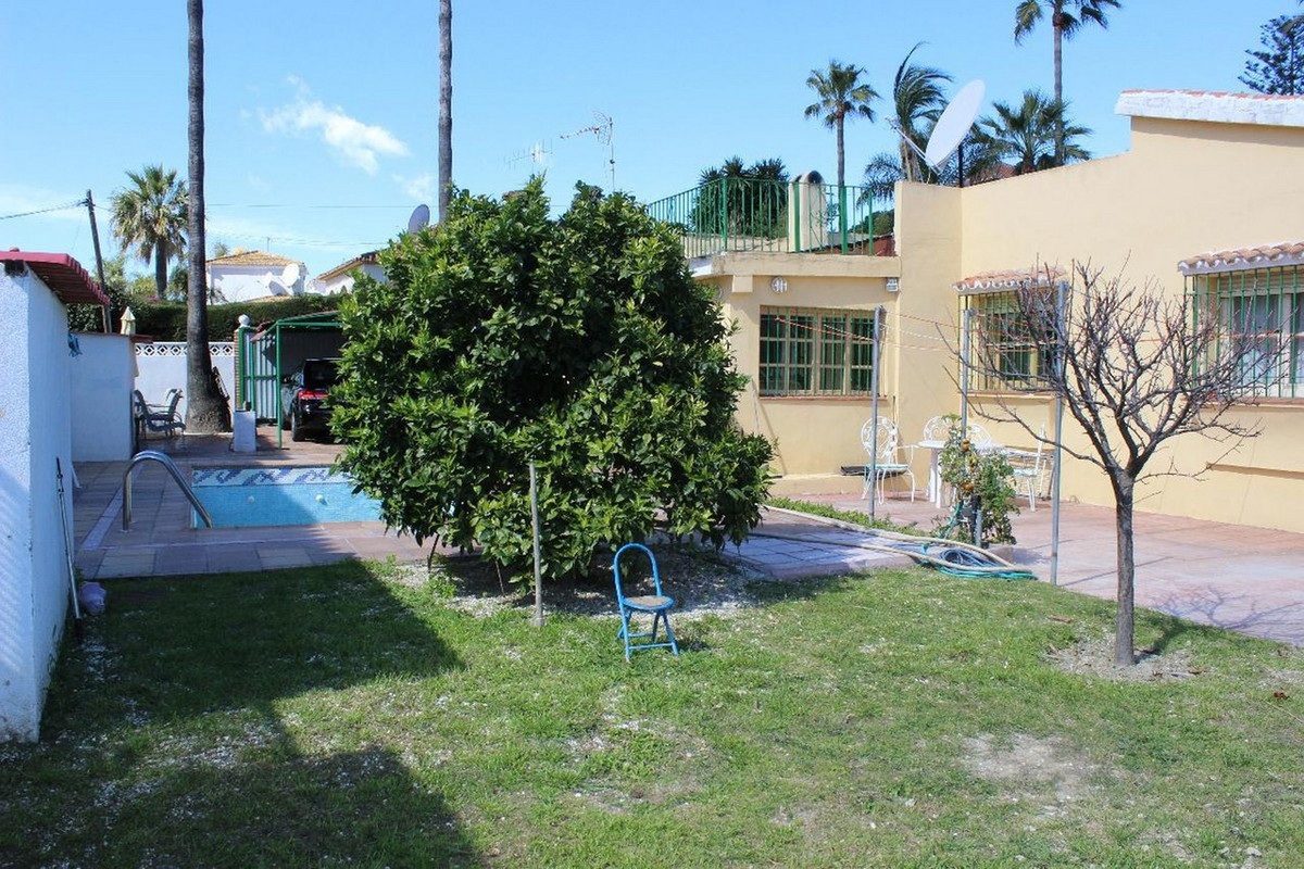Freistehende Villa in San Pedro de Alcántara R2633672