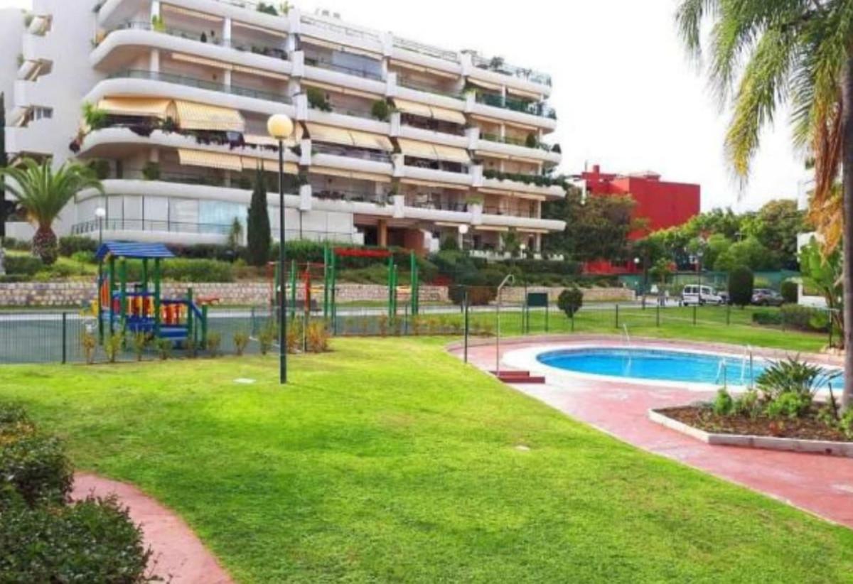 Apartamento Planta Media a la venta en Guadalmina Alta