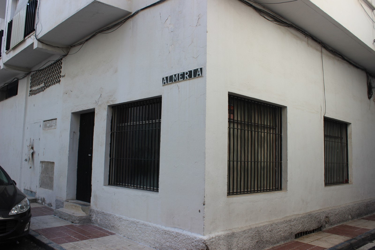 2 Bedroom Commercial for sale San Pedro de Alcántara