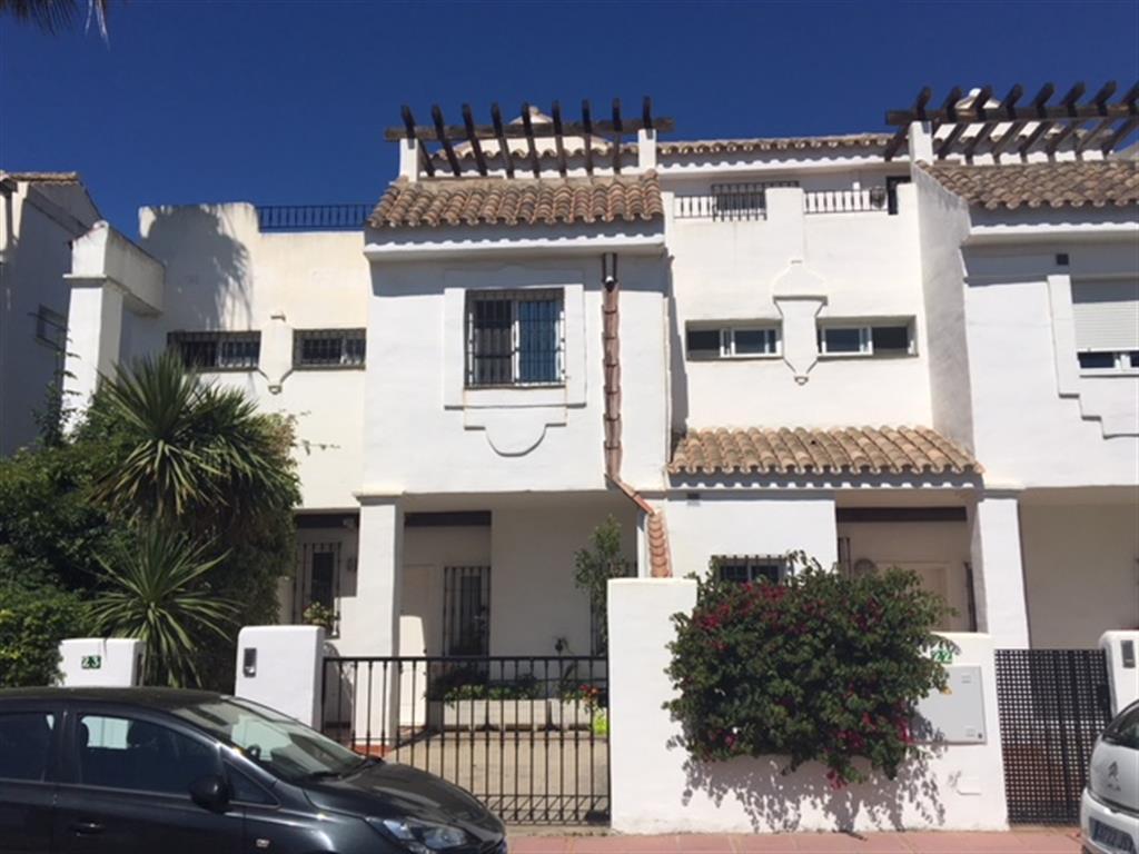 Semi-Detached House, Nueva Andalucia, Costa del Sol. 3 Bedrooms, 2 Bathrooms, Built 220 m², Terrace ,Spain