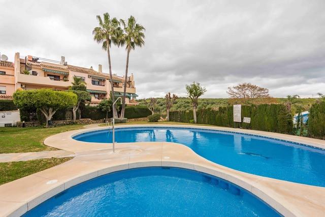 Middle Floor Apartment, Estepona, Costa del Sol. 1 Bedroom, 1 Bathroom, Built 81 m², Terrace 10 m². ,Spain