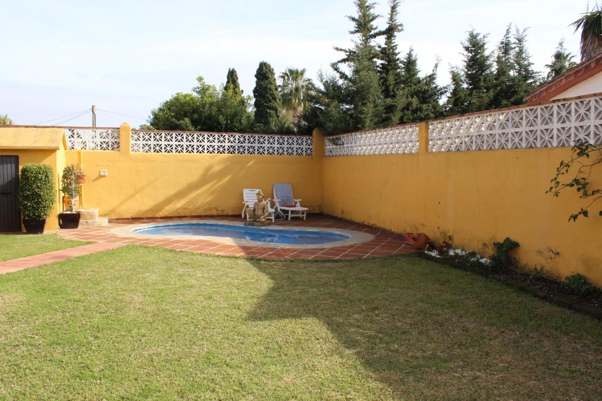 Villa 2 Dormitorios en Venta San Pedro de Alcántara