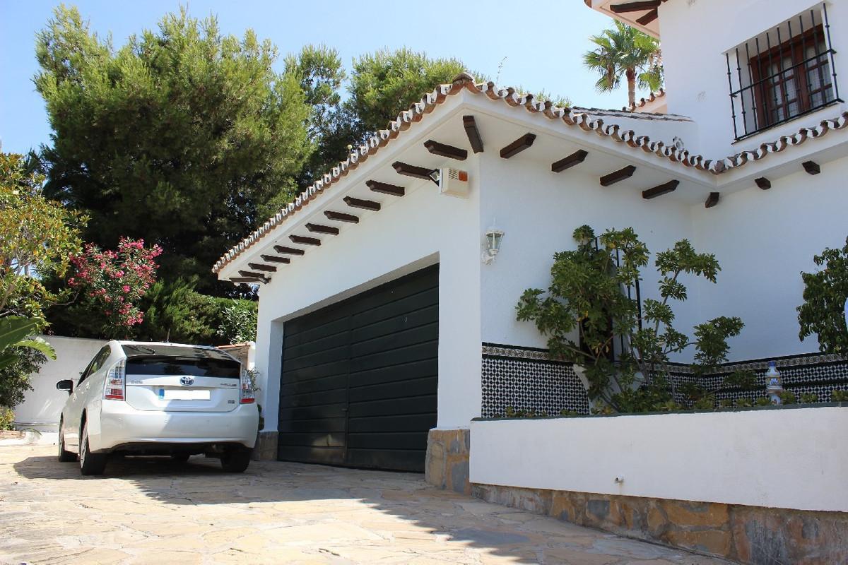 Freistehende Villa in Guadalmina Alta R2944352