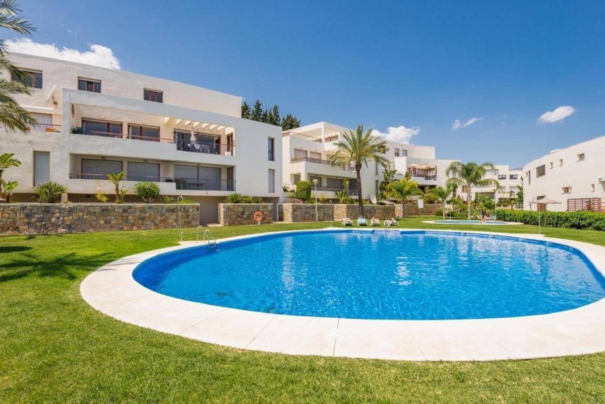 Middle Floor Apartment, Los Monteros, Costa del Sol. Built 164 m², Terrace 8 m².  Setting : Close To,Spain