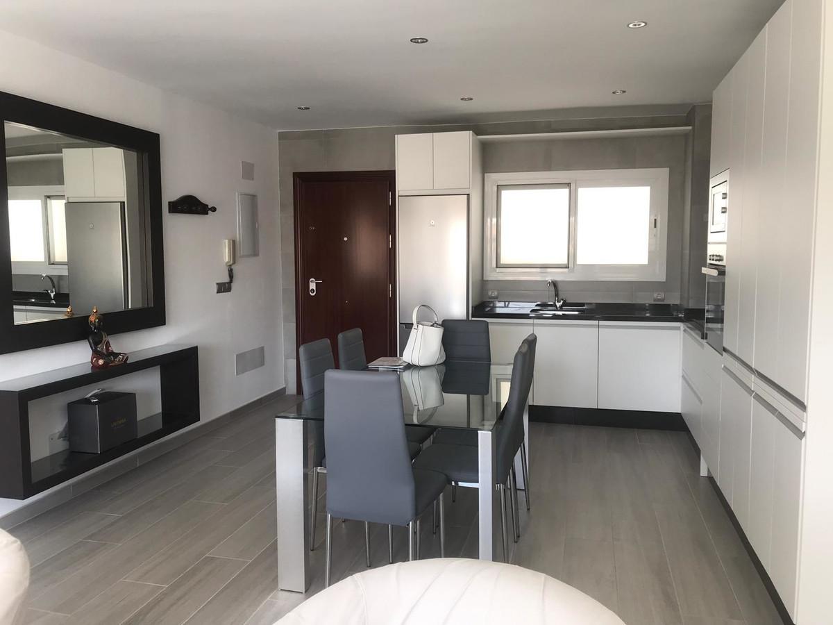 Middle Floor Apartment, San Pedro de Alcantara, Costa del Sol. 2 Bedrooms, 1 Bathroom, Built 75 m². ,Spain