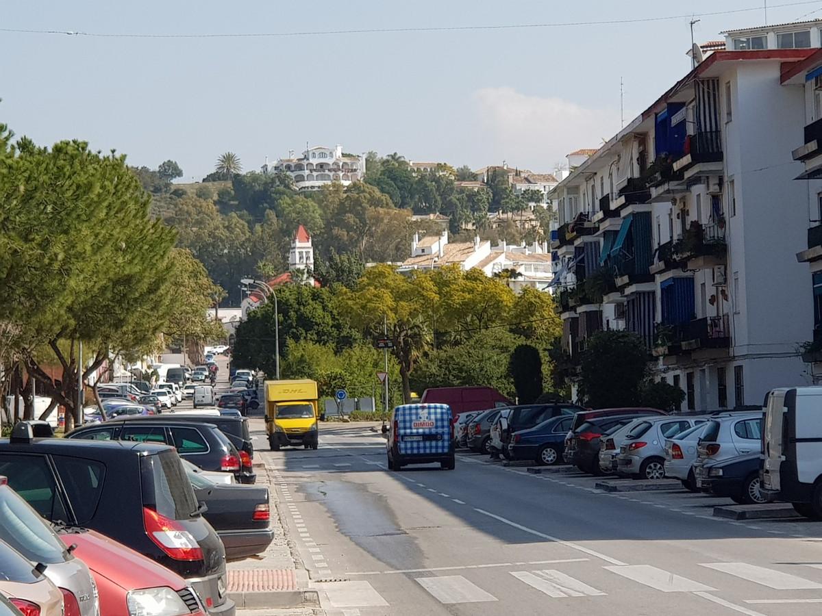 Apartamento Planta Media a la venta en Nueva Andalucía