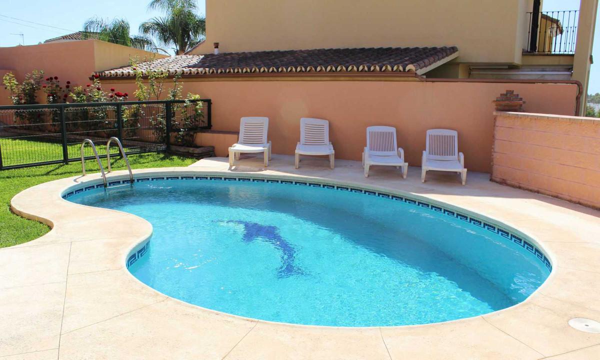 Detached Villa, San Pedro de Alcantara, Costa del Sol. 6 Bedrooms, 4 Bathrooms, Built 400 m², Terrac,Spain