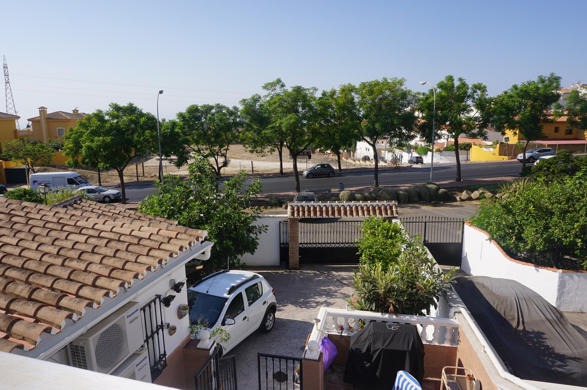 FANTASTIC 2 BEDROOM 2 BATHROOM BUNGALOW   The property is situated in a very quiet urbanization in t,Spain
