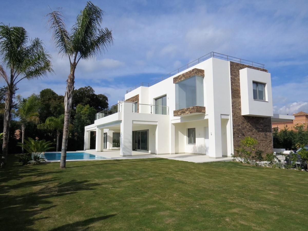 Villa 6 Dormitorios en Venta Guadalmina Baja