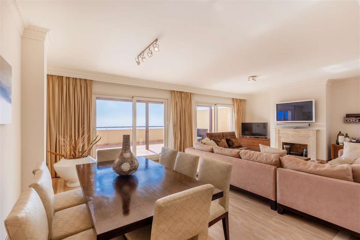 Spacious luxury PH apartment. Close to beach, Marbella center and Puerto Banus.  Offers 3 bedrroms a,Spain