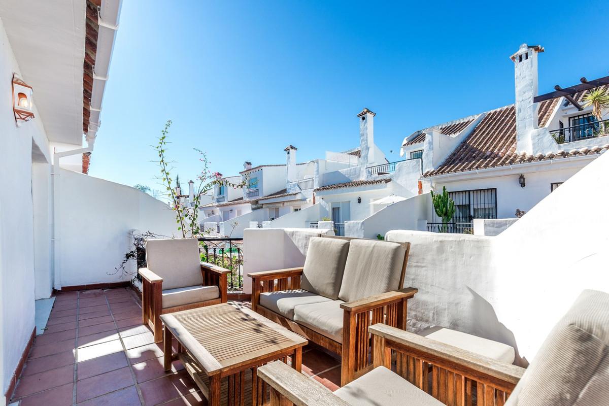 Townhouse, Nueva Andalucia, Costa del Sol. 5 Bedrooms, 4 Bathrooms, Built 180 m², Terrace 50 m², Gar,Spain
