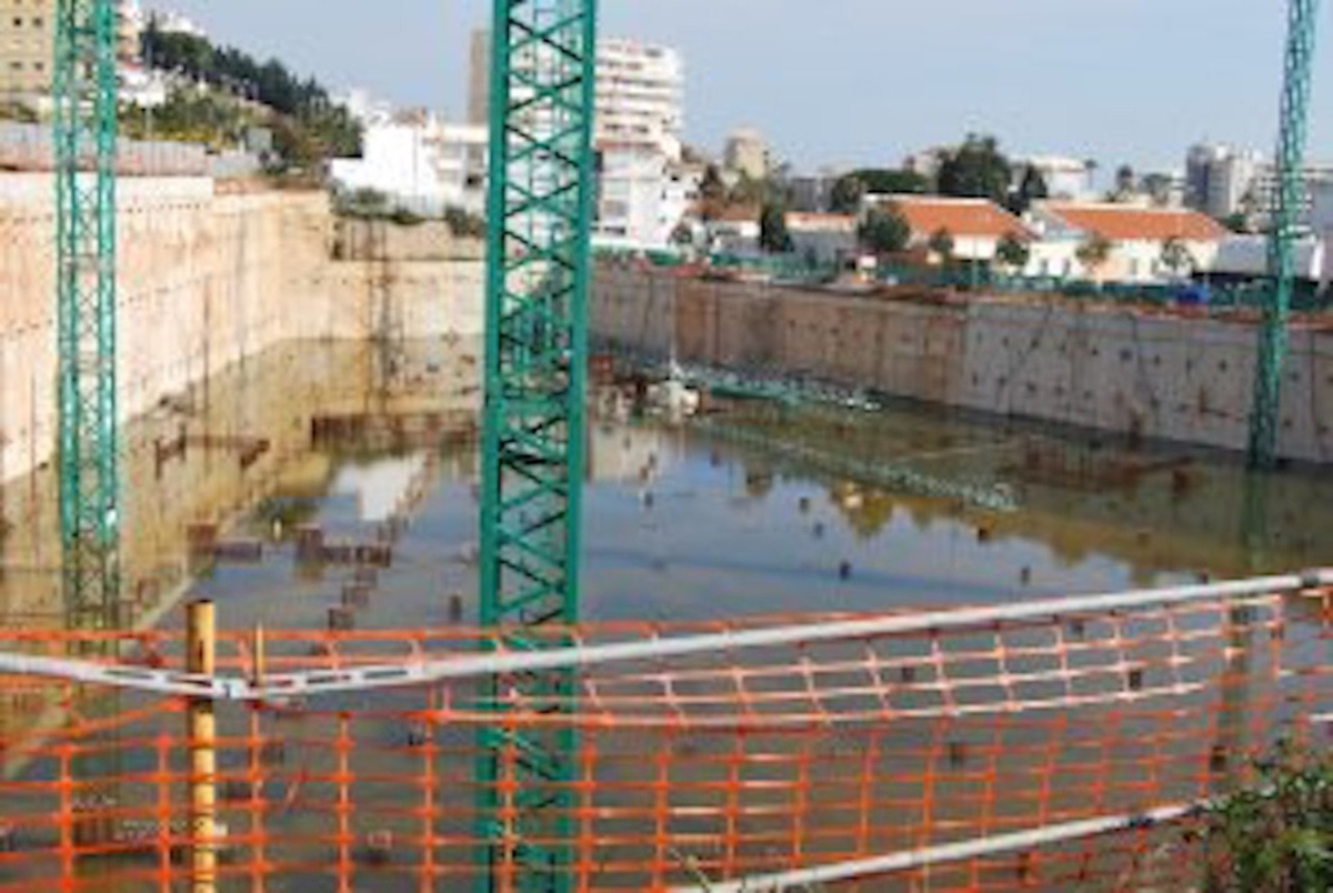 Plot for a hotel project of 11,150 m² of constructible surface. Basement with 590 parking spaces alr,Spain