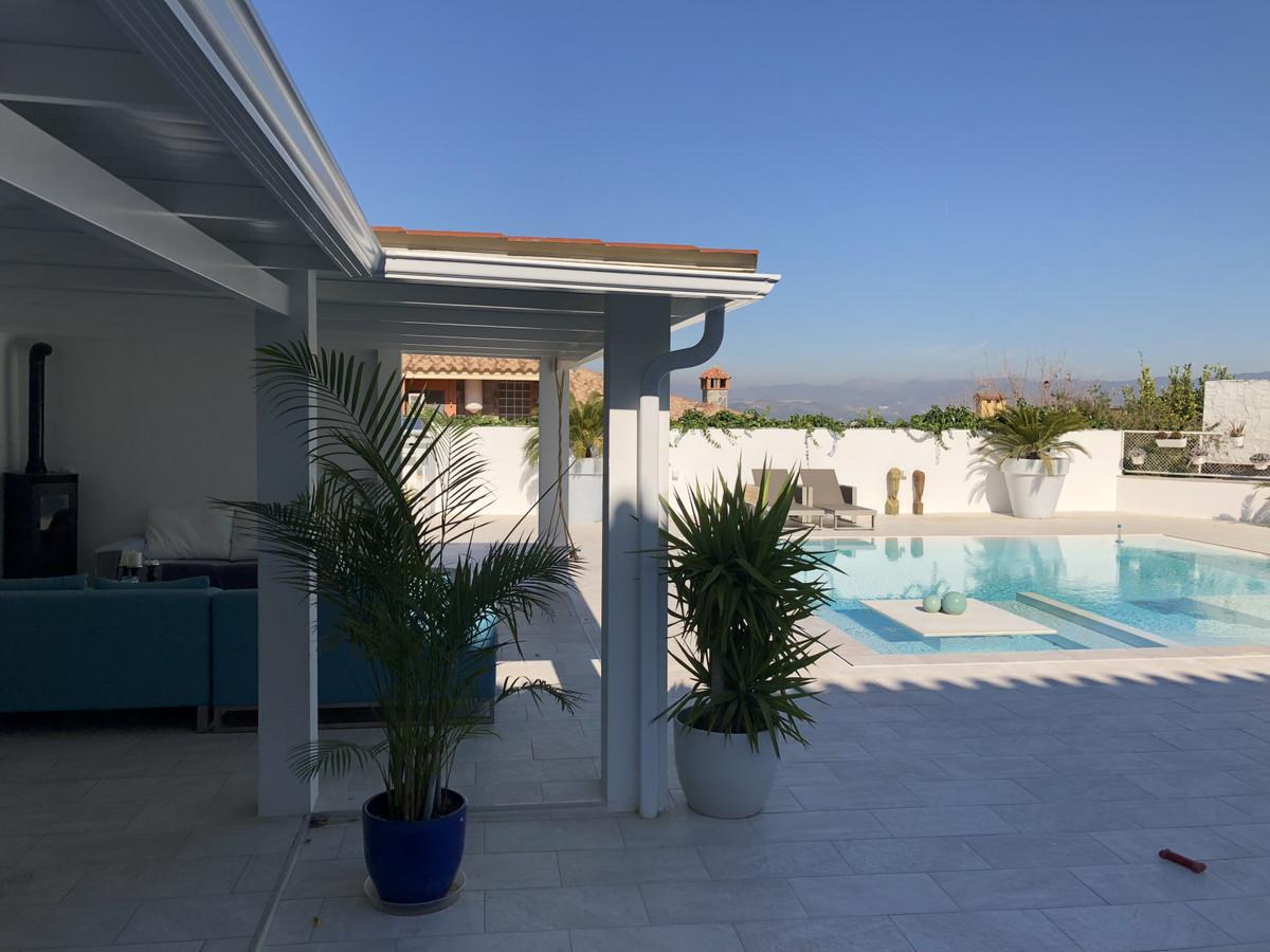 House in Alhaurín de la Torre R3373735 40