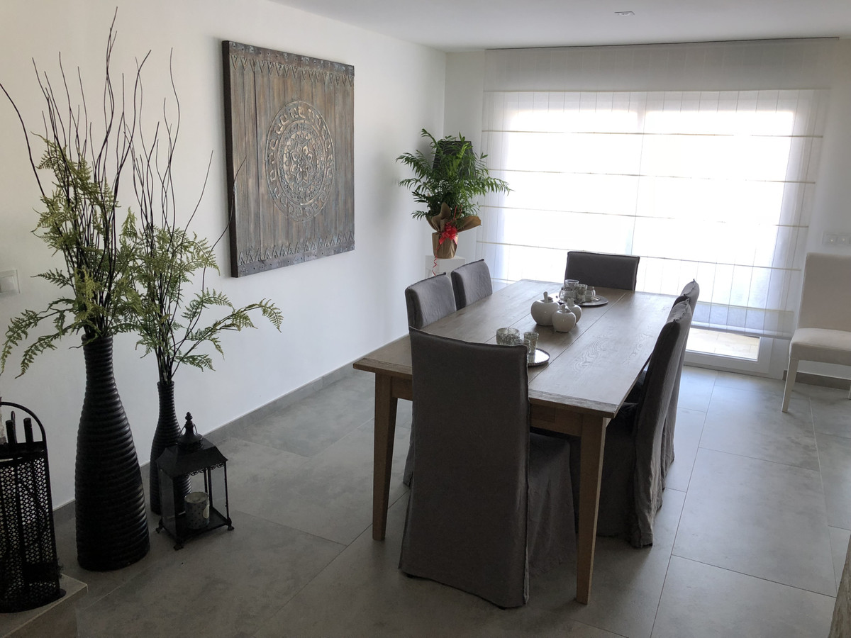 House in Alhaurín de la Torre R3373735 47