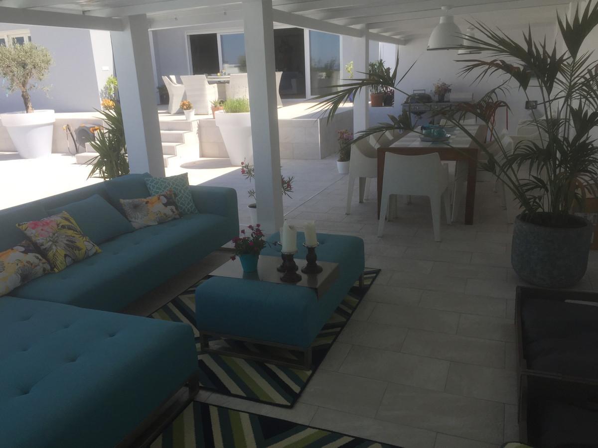 House in Alhaurín de la Torre R3373735 55