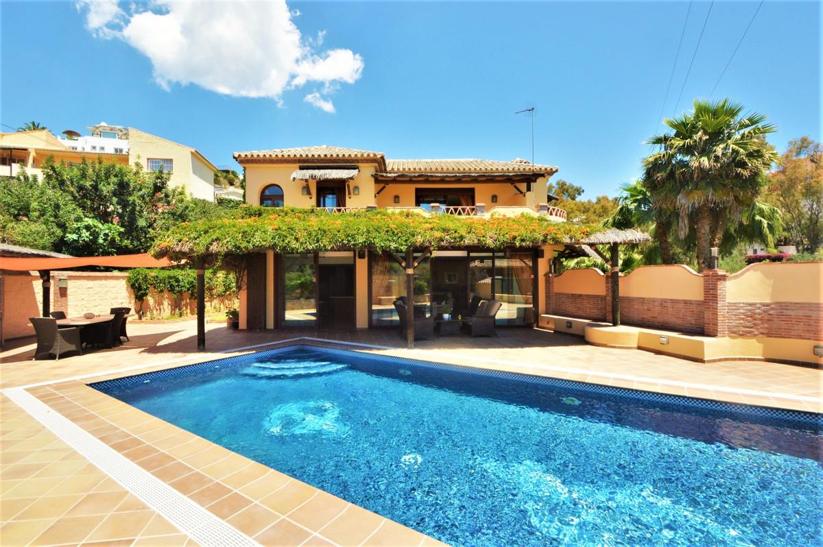 Fritliggende Villa i Torreblanca R3580864