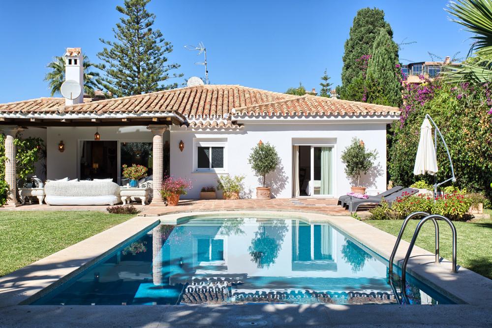 Detached Villa for sale in Marbella R3018298