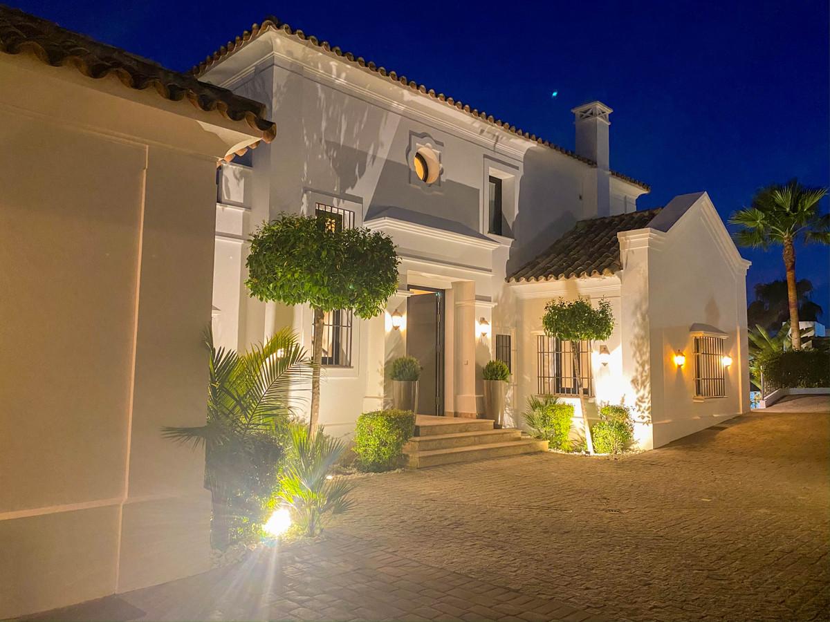 Villa Till salu i Benahavís R3855046