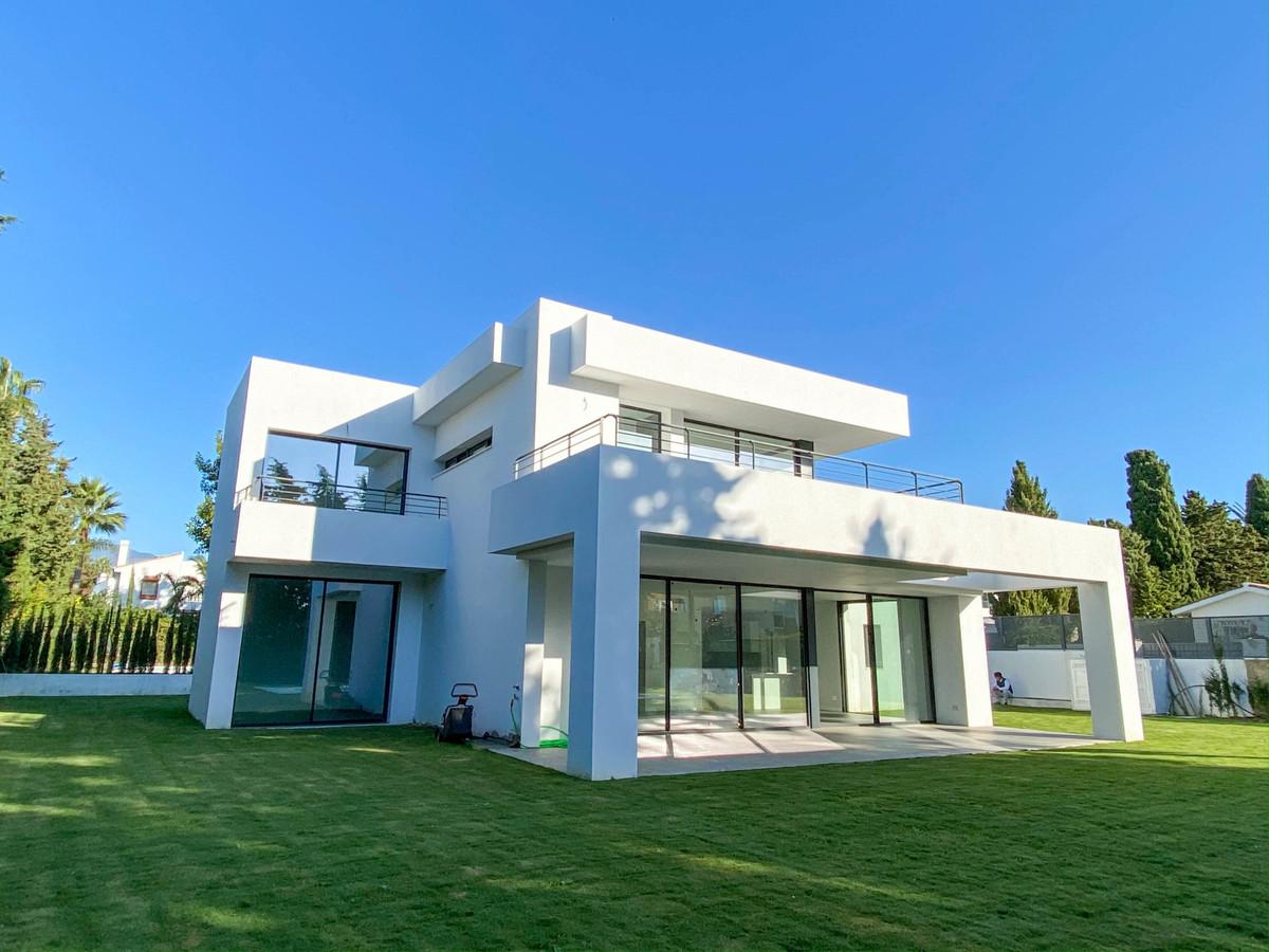 4 bedroom villa for sale atalaya