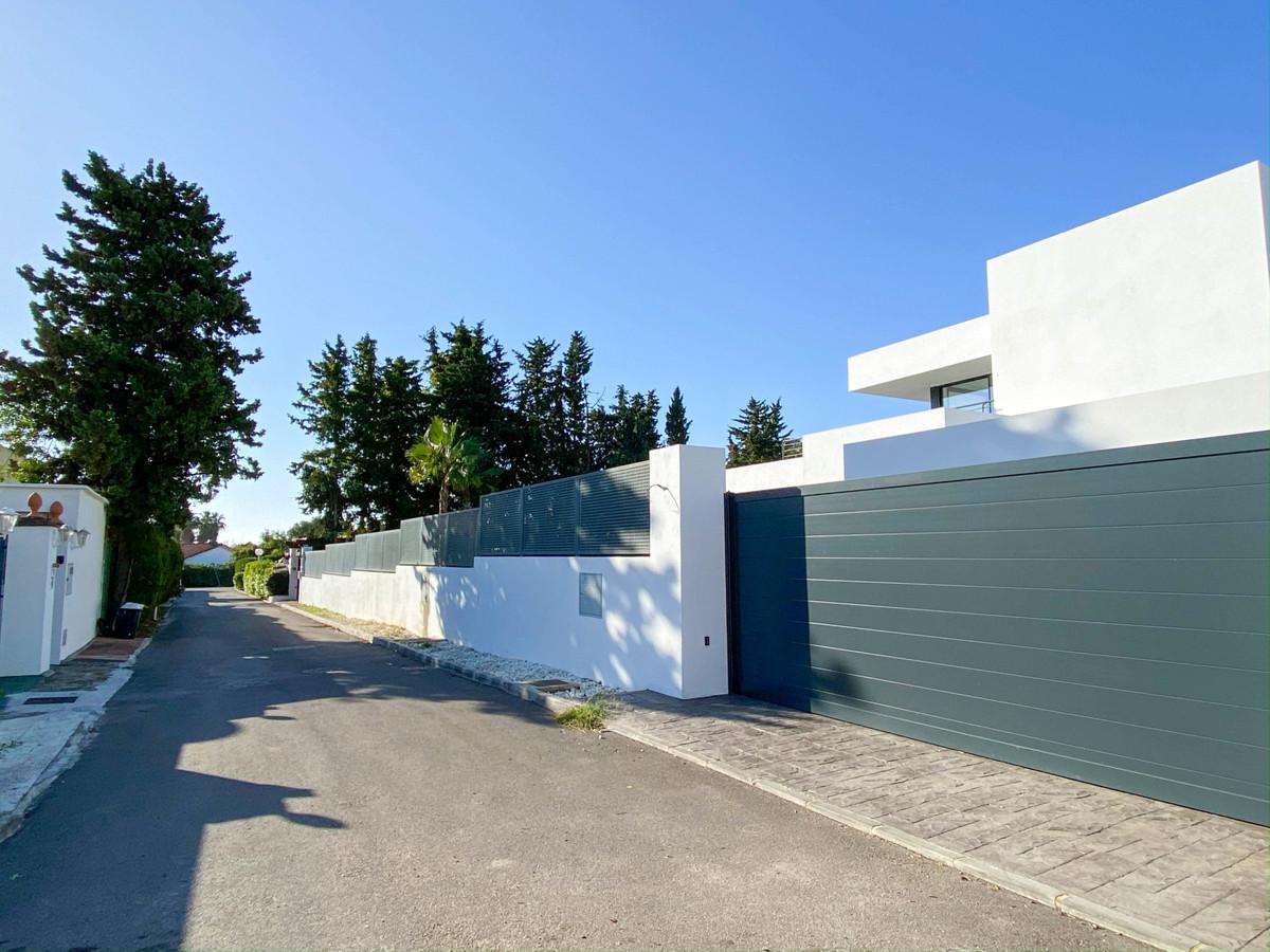 House in Atalaya R3752233 25