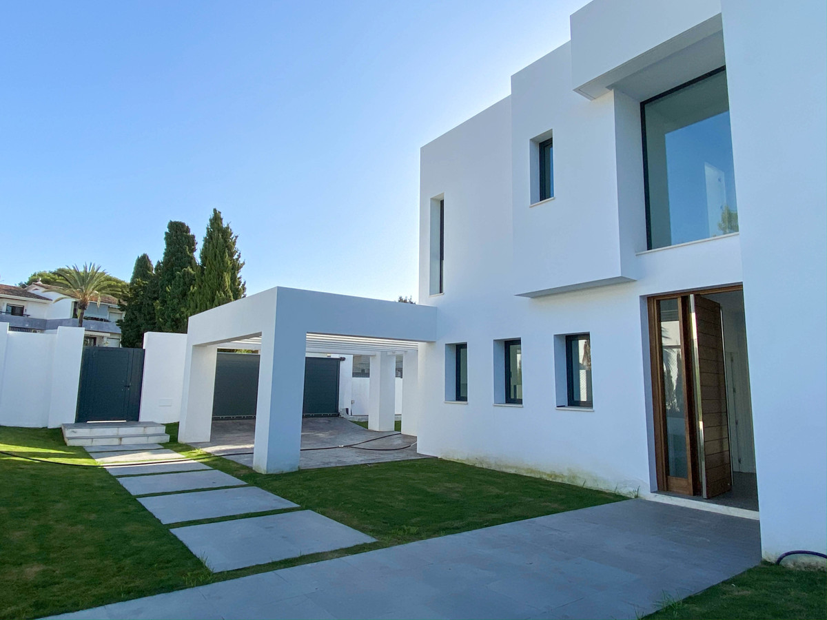 House in Atalaya R3752233 4