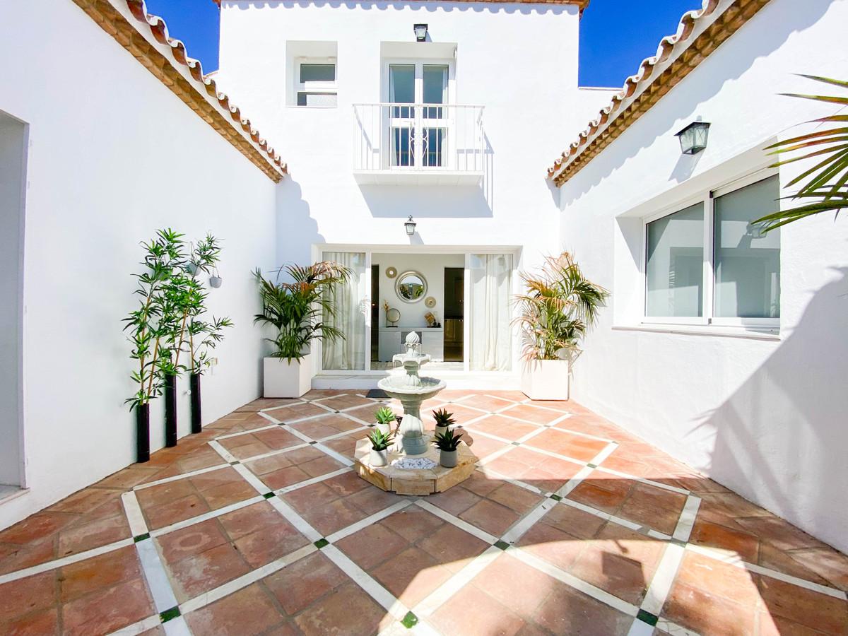 Villa Till salu i Benahavís R3923347