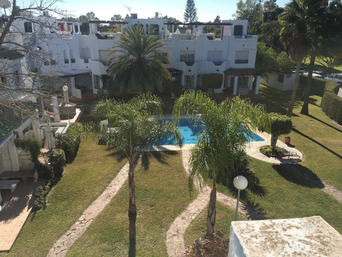 Rijhuis te koop in Nueva Andalucía R3778387