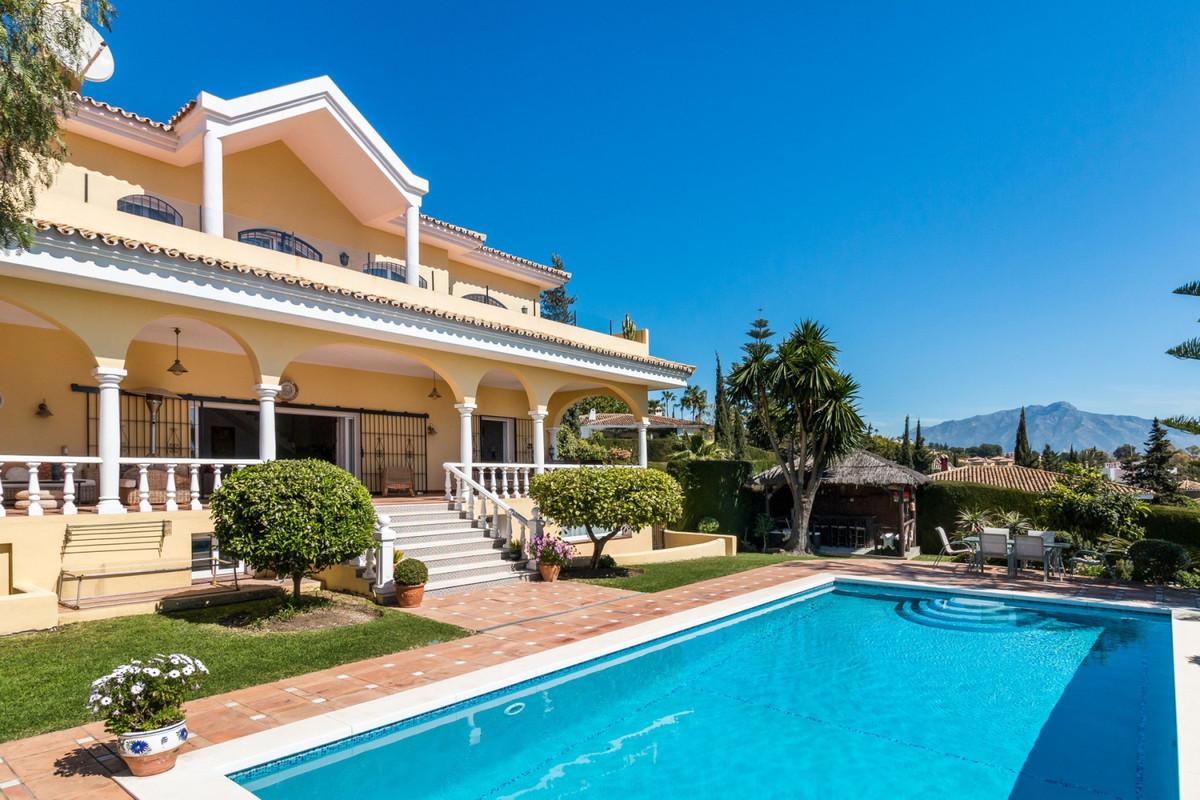 Villa Til salg i Benahavís R3748531
