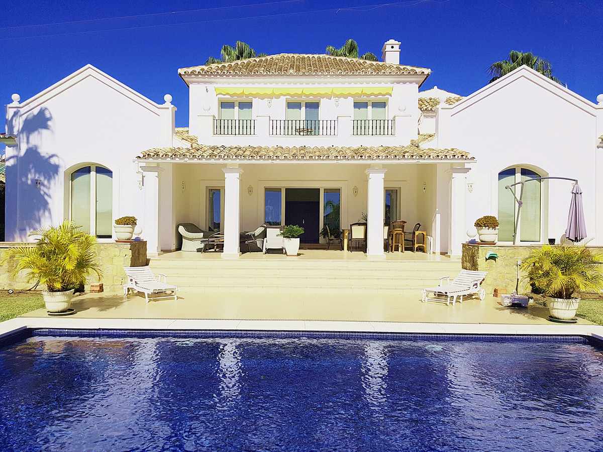 Stylish Mediterranean villa with absolute south facing and sea views.  The spacious villa is built i,Spain