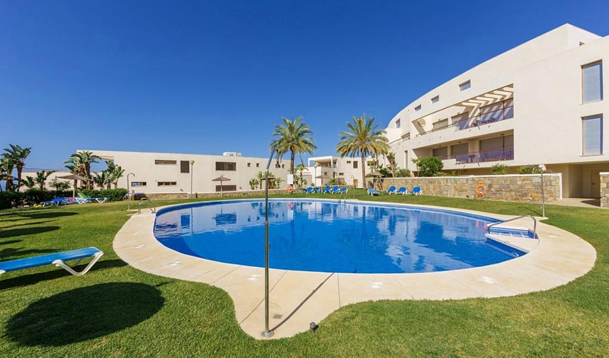 Magnificent ground floor / mezzanine floor apartment  in the quiet residential area of ??Altos de Lo,Spain