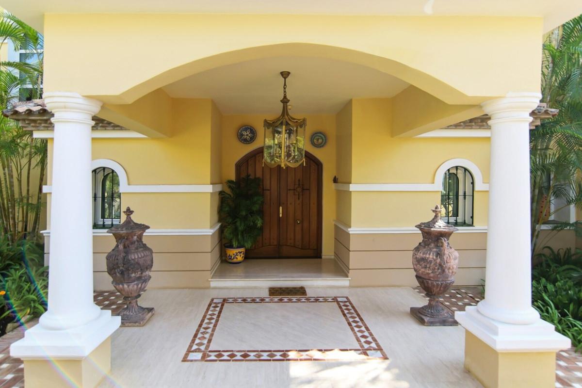 House in Benahavís R3542098 9