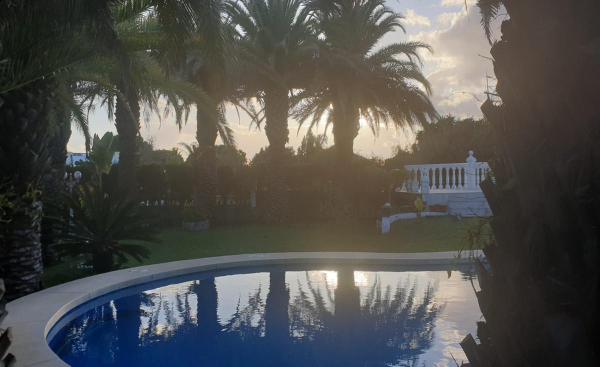 Detached Villa for sale in Marbesa