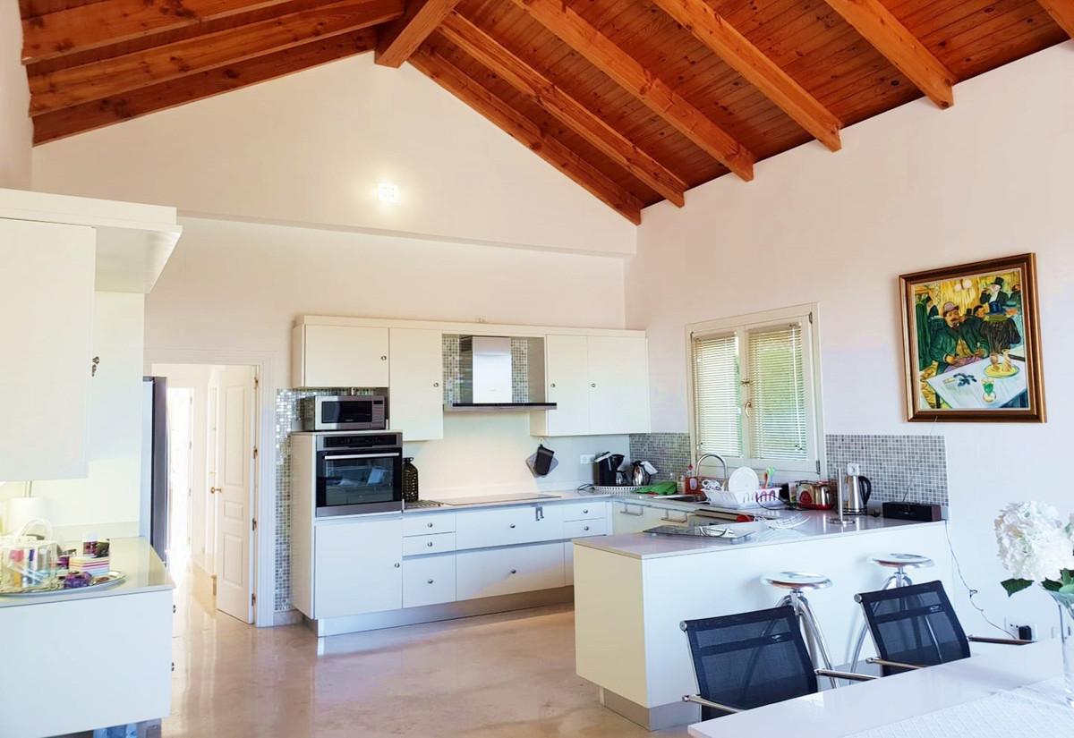 Villa - Detached ( R3518995) 11