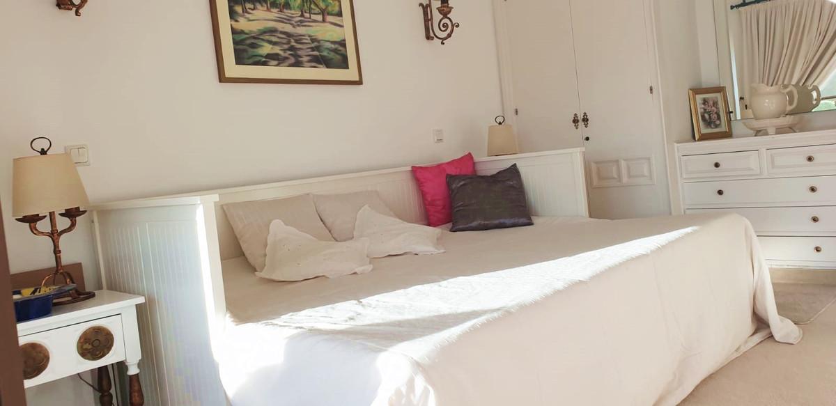 Apartment - Middle Floor ( R3520945) 15