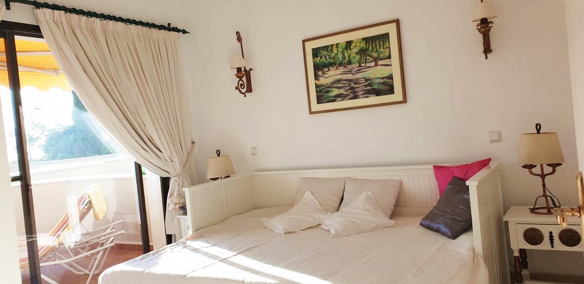 Apartment - Middle Floor ( R3520945) 16