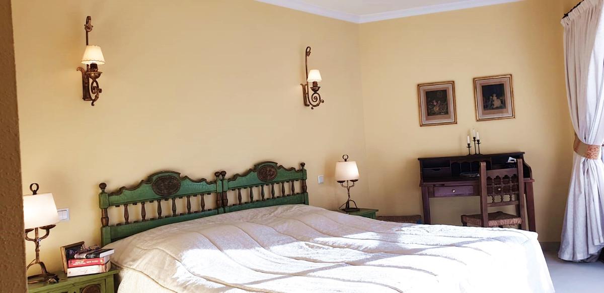 Apartment - Middle Floor ( R3520945) 17