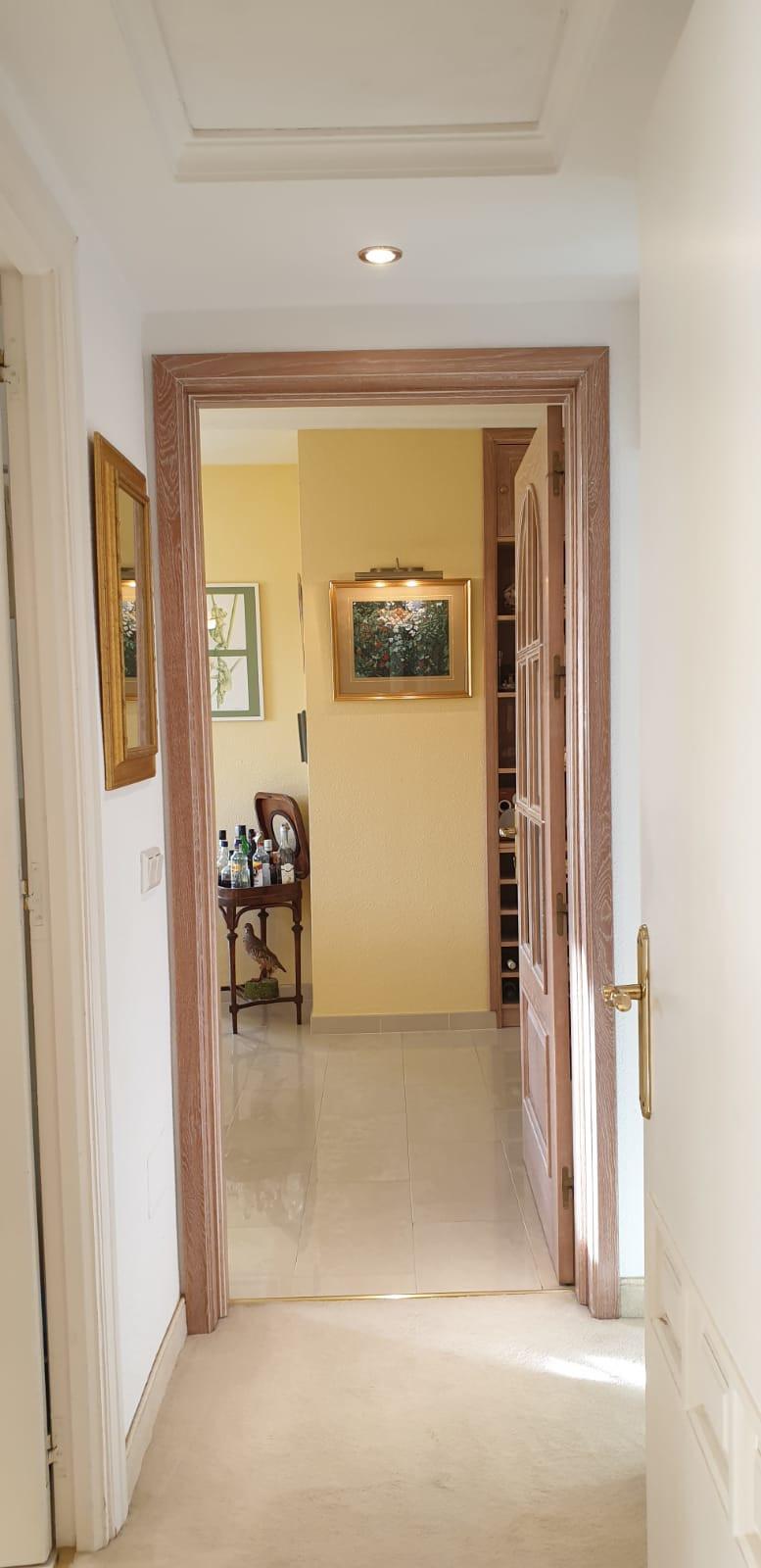 Apartment - Middle Floor ( R3520945) 20