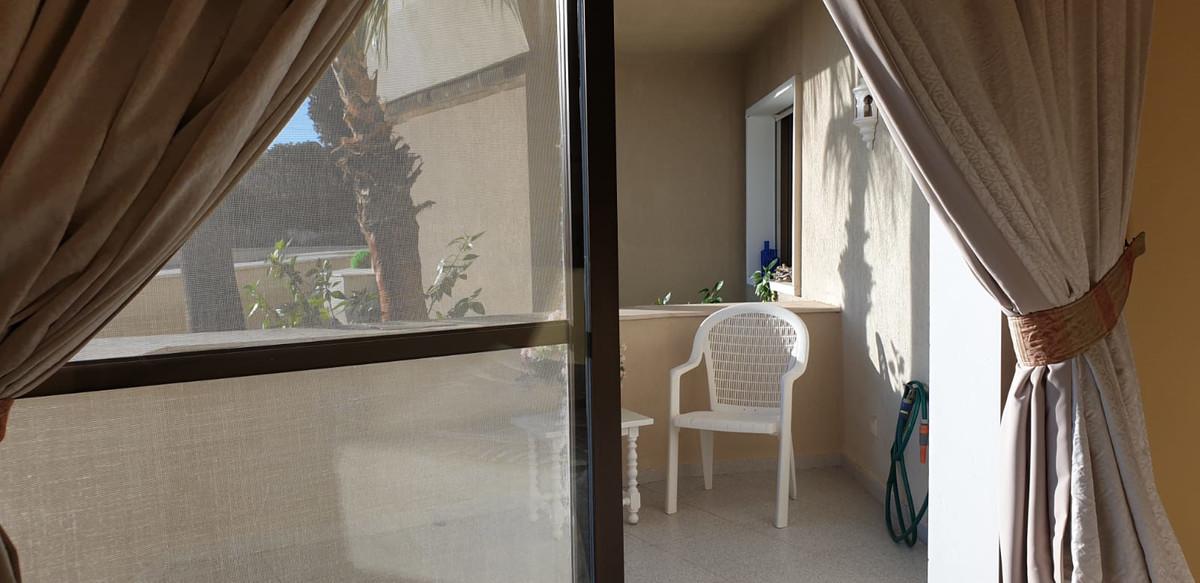 Apartment - Middle Floor ( R3520945) 24