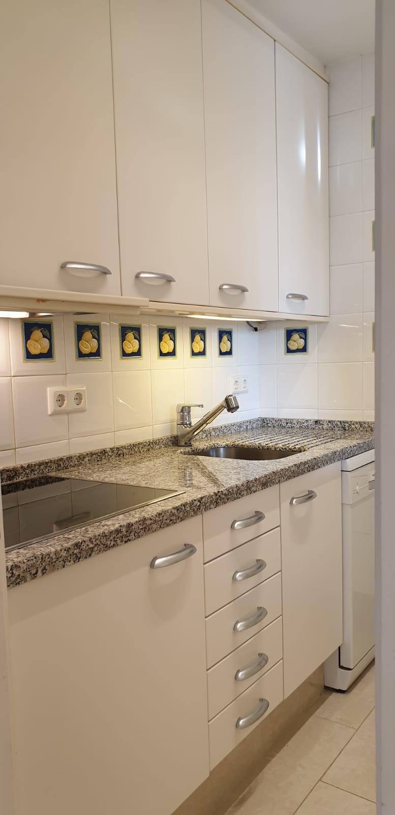 Apartment - Middle Floor ( R3520945) 6