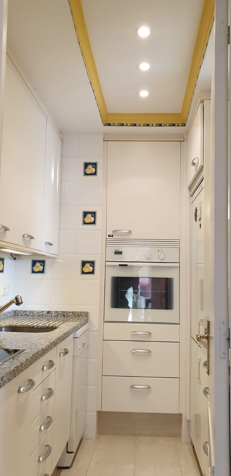Apartment - Middle Floor ( R3520945) 8