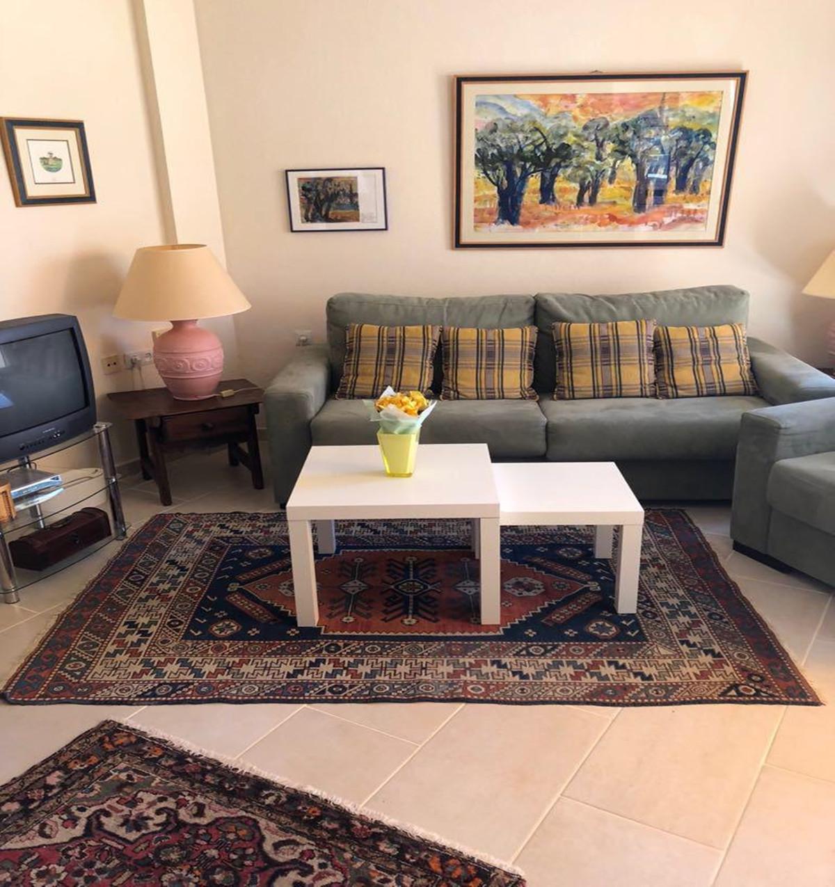 Apartment - Middle Floor ( R3521023) 3