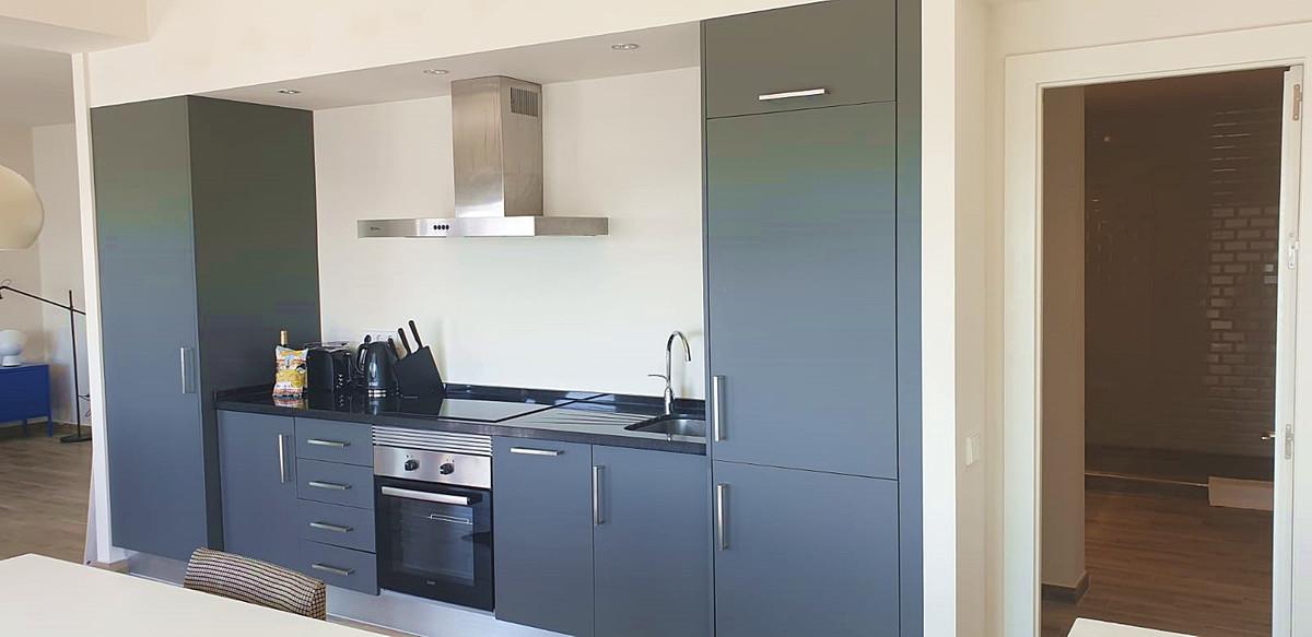 Apartment - Middle Floor ( R3534784) 5