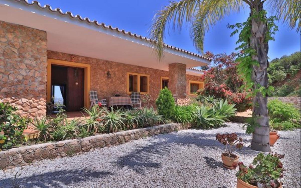 Villa con 3 Dormitorios en Venta La Mairena