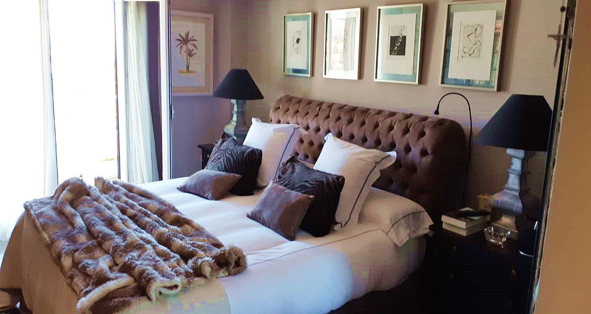 Apartment - Middle Floor ( R3522682) 6