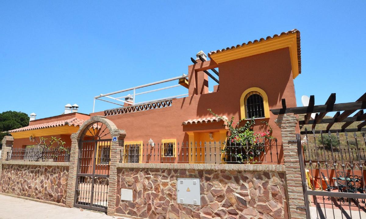 Villa 6 Dormitorios en Venta Sierrezuela