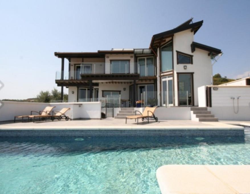 Freistehende Villa in Mijas Costa R2228105