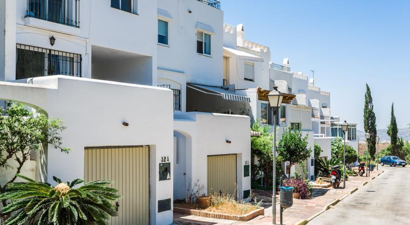 TOWNHOUSE , private garage in a very quiet residential area of Mijas with all amenities within easy ,Spain