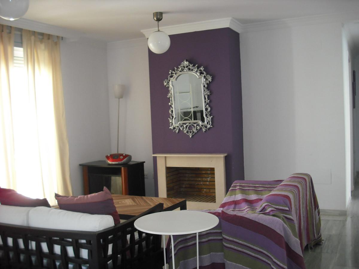Middle Floor Duplex Apartment, Marbella, Costa del Sol. 4 Bedrooms, 2 Bathrooms, Built 208 m².  SettSpain