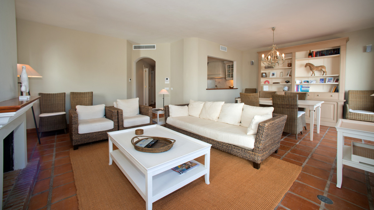 Top Floor Apartment, Mijas, Costa del Sol. 2 Bedrooms, 3 Bathrooms, Built 125 m².  Setting : FrontliSpain